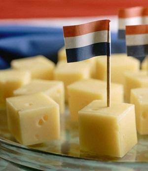 Juustokuutiot ja juustoruudut